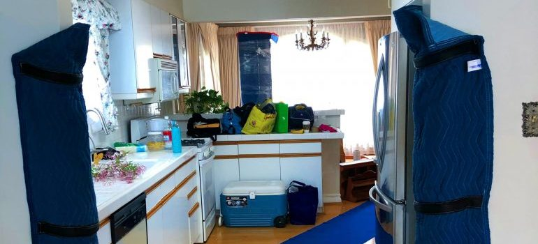 A kitchen full of appliances our movers will pack and relocate.