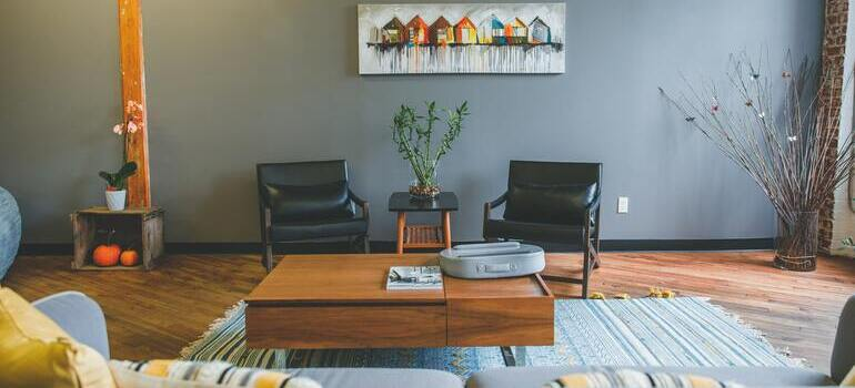 make Big Family Relocation Checklist for your living room
