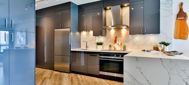 pack your kitchen appliances for the move with grey appliances